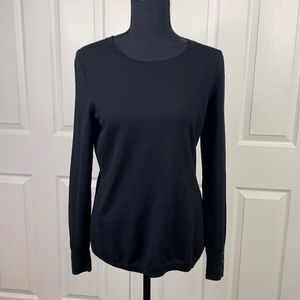 Banana Republic black Merino wool pullover knit crew neck sweater travel Medium